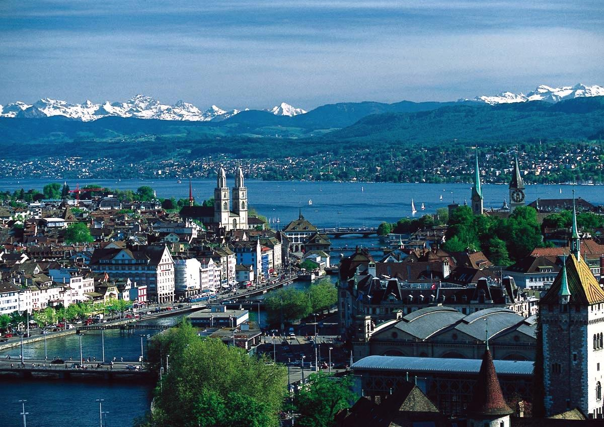 Switzerland is one of the more beautiful European nations for expats ... photo by CC user MadGeographer on wikipedia.org